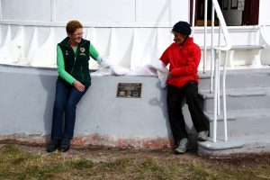 Unveiling plaque at Tasman Island  Lighthouse April 2015